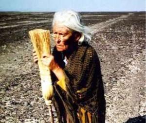La Donna che spazzava il Deserto